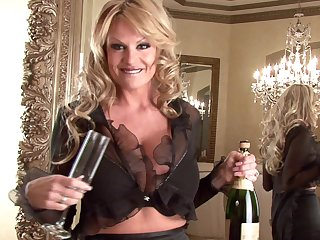 Kelly Madison is an elegant light-complexioned enjoying her mean cunt