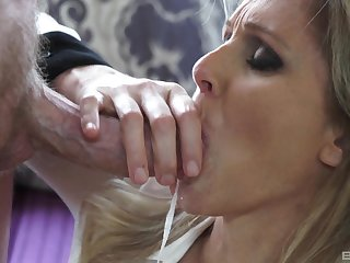 Hardcore put to rights up tit job increased by sex for a blonde mature MILF Julia Ann