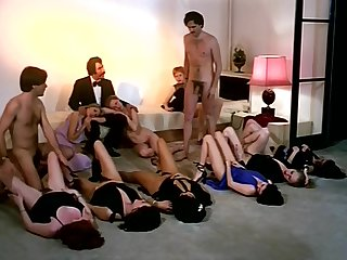 Vintage dealings orgy action give horny company of girls