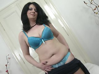 Dark haired amateur mature MILF Milana fingers say no to shaved pussy