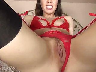 Jeune salope se masturbe pour toi jusqu'au squirt, multiple orgasmes