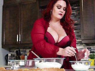 Super scalding red haired SSBBW Alexa Grey loves riding sloppy cock