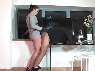 Dirty girl friend loves to pegg her burdening someone husband - The Hunteress