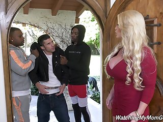 Killing hot white mommy Alura Jenson goes black to the fore of her stepson