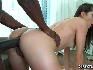 Ukrainian chick Shrima Malati gets the brush anus blacked after sloppy blowjob